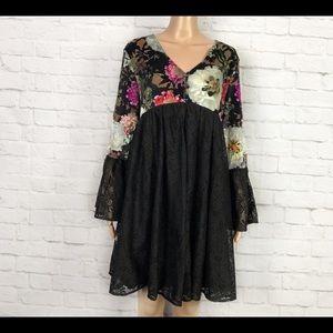 Chloah Floral Lace BellSleeve Babydoll Mini Dress